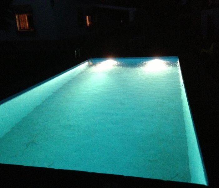 Piscina de agua salada (noche)